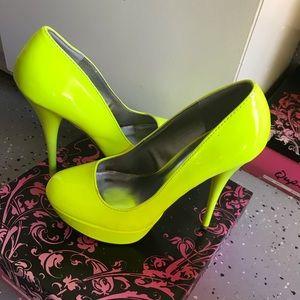 🎾 Neon heels 🎾